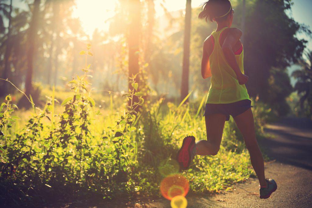 sport jogging en foret
