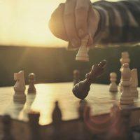 Le guide pour bien débuter aux échecs