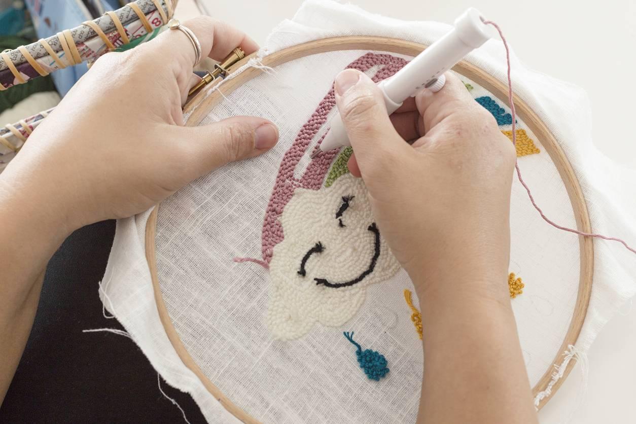 le punch needle, loisirs créatifs éducatifs